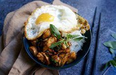 Notes of Bacon: Thai Basil Chicken {Pad kra pao gai / ผัดกระเพราไก่}