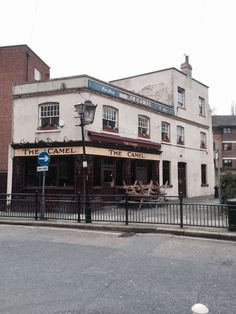 The Camel, Bethnal Green. London Pubs, London Street, London History, British History, Vintage London, Old London, East End London, Green Pictures, Old Pub