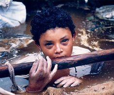 Omayra Sanchez, young victim of the Armero Tragedy in Colombia, 1985