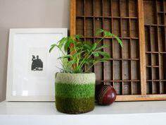Knit pot plant holder?