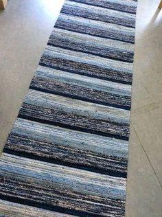 Carpet Runners By The Foot Lowes Hallway Carpet Runners, Cheap Carpet Runners, Weaving Textiles, Tapestry Weaving, Plastic Carpet Runner, Rug Placement, Macrame Wall Hanging Diy, Diy Carpet, Carpet Ideas
