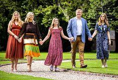 Fotosessie koninklijk gezin 2019 - Blauw Bloed Catholic University, Three Daughters, Queen Maxima, Royal House, Roman Catholic, Kate Middleton, Religion, Around The Worlds, Royal Families