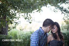couple photo, couple photo idea, edmonton wedding photographer, edmonton wedding photography, spring wedding www.cwillsphotography.com