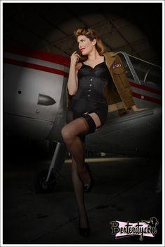 Tara Moss Victory Girl WWII themed pin-up by Bek Morris, Bexterity Photography. http://taramoss.com/wii-pin-up-shoot-with-bexterity/