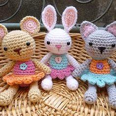 Pocket Pets amigurumi crochet pattern by Janine Holmes at Moji-Moji Design