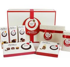 To spread some Christmas cheer, Lily O'Brien's would like to offer one lucky EVOKE.ie reader a beautiful chocolate assortment hamper worth on this week's Lust List. Chocolate Hampers, Chocolate Sweets, Chocolate Box, Chocolate Christmas Gifts, Christmas Chocolates, Chocolate Wedding Favors, Wedding Favours, Hamper Boxes, Personalized Chocolate