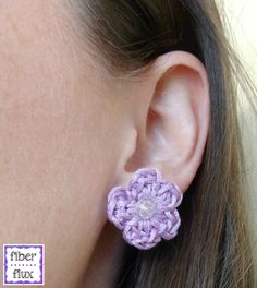 Little Daisy Earrings, free crochet pattern from Fiber Flux!