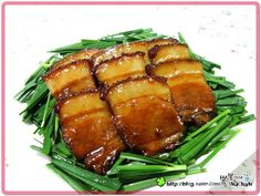 초복 중복 말복 대비 여름 보양식 ♡ 동파육 - 매일매일맛있게 메뉴판닷컴 Korean Dishes, Korean Food, Korean Recipes, Korean Bbq, A Food, Good Food, Food And Drink, Pork Belly Recipes, Cooking Recipes
