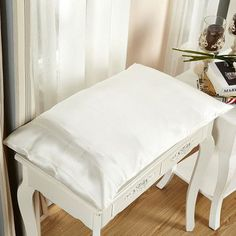 """Lilysilk Pure Silk Pillowcase 22 Momme Size: 36"""" x 20"""", Color: Ivory"""