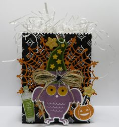 Stampin' Up 'Double' Mini Treat Bag Death by Chocolate created by Lynn Gauthier using SU Mini Treat Bag Thinlits Die, SU Howl-o-ween and Sweet Hauntings Stamp Sets.  Go to https://lynnslocker.blogspot.comto see the details and instructions for this project.