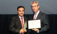 V Premios Castilla y León Económica. Premio a la Mejor Operación Empresarial: José María Gangoso, administrador gerente de Seditex, y Manuel Fernández, director de Ade Gestión Sodical.