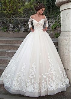 50% off NEW! Attractive Tulle Bateau Neckline Ball Gown Wedding Dresses With Lace Appliques