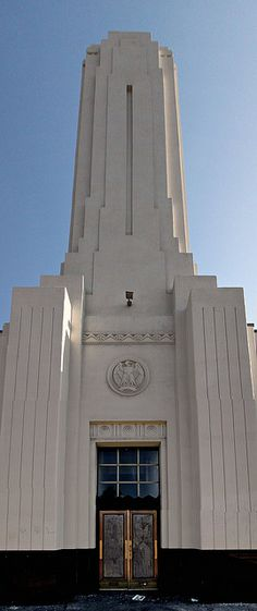 Art Deco Tower by Non Paratus, via Flickr-Art Deco Tower      I spotted this art deco tower in Hollywood. I'd never really noticed it before but it has some classic lines to it. There's nothing on the building to identify it. The doors are boarded up but it's evidently maintained, and I could see security cameras through one upper window.