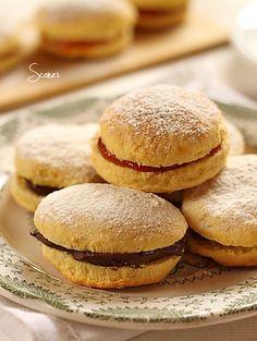 Scones sunt niste briose traditionale bucatariei scotiene. Reteta scones. Scones scotiene umplute cu marmelada sau nutella.