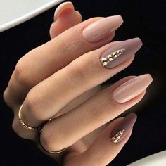 Manicure trend fall winter 2018 Nail polish pink nude and matt taupe. Rhinestones and diamonds. Easy to do for Christmas. Manicura tendencia otoño invierno 2018 Esmalt of uñas rosa nude y Light Colored Nails, Light Nails, How To Do Nails, My Nails, Nagellack Trends, Wedding Nails Design, Nail Wedding, Blue Wedding Nails, Wedding Acrylic Nails