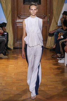 Viktor & Rolf Spring 2015 Ready-to-Wear Collection Photos - Vogue