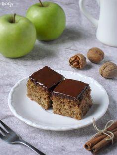 Sočne griz kocke sa jabukama i orasima - Mystic Cakes Vegan Dessert Recipes, Donut Recipes, Fruit Recipes, Desert Recipes, Apple Recipes, Sweet Recipes, Baking Recipes, Cookie Recipes, Delicious Desserts