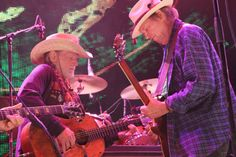 #NeilYoung and #WillieNelson at Farm Aid 2012