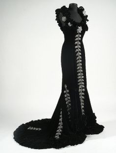 Dress designed by Edith Head for Mae West's character in 'She Done Him Wrong' (1933).