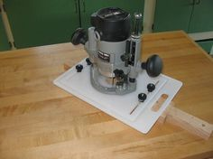 Router Mortising Jig very smart use of plastic cutting board material
