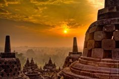 Borobudur - buddhist temple complex near Yogyakarta, Central Java, Indonesia Borobudur Temple, Buddhist Temple, Buddhist Art, Ancient Ruins, Angkor Wat, Travel Light, Monument Valley, Beautiful Places, Peaceful Places