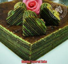 BANANA LAYERED CAKE