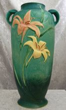 Roseville Pottery Zephyr Lily Floor Vase Green, Value Item! Old Pottery, Vintage Pottery, Pottery Art, Roseville Pottery, Pottery Sculpture, Pot Of Gold, Glass Ceramic, Arts And Crafts Movement, Gold Art