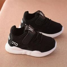 Spring new fashionable net breathable sports running shoes For Girls Boys Rubber Bottom Children shoes brand kids shoes Kids Running Shoes, Black Running Shoes, Boys Shoes, Shoes Sport, Sports Shoes, Sneakers Fashion, Fashion Shoes, White Shoes For Girls, Boys Loafers