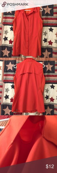 Columbia Omni shade Light weight stretchy quick dry shirt built in vents has hidden zipper pocket and lower bottom small section with a few small snags not bad!!! Columbia Tops Button Down Shirts