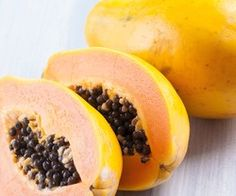 Battling Inflammation Blast - Recipes The combination of papaya, avocado and walnuts in this NutriBlast makes it high in fatty acids and the enzyme bromelain, both of which have been shown to reduce inflammation and its causes. Nutribullet Juice Recipes, Healthy Juice Recipes, Healthy Drinks, Smoothie Recipes, Healthy Foods, Healthy Eating, Diabetic Smoothies, Yummy Smoothies, Juice Smoothie