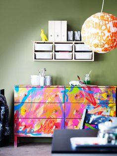 relooker des meubles, repeindre un meuble en couleurs vives
