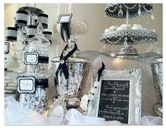 Classic black and white candy bar. Black White Parties, Black And White Theme, Wedding Candy, Wedding Desserts, Candy Table, Candy Buffet, Bar A Bonbon, Dessert Buffet, Dessert Tables