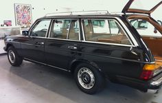 Mercedes Motoring - 1979 300TD Diesel Station Wagon W 123