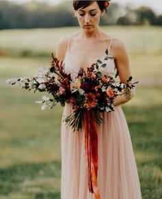 Oh the gorgeousness! #Repost @bearrootsfloral  Looking back on this September shoot turned real wedding today. (Look how gorgeous Bride Bridget is) Loved every bit of it and all the vendors involved. I really enjoyed making this bouquet using mostly locally grown flowers.  Photo by @addisonjonesphotography #clintonville #asseenincolumbus #columbusohio #midwestweddings #asseenincolumbus #614weddings #614florist