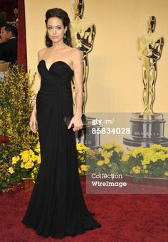 2009...The 81st Academy Awards - Arrivals - Kevin Mazur