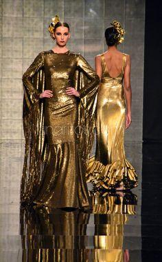 Vicky Martin Berrocal. Simof 2015 Gold Fashion, Unique Fashion, Spanish Fashion, Traditional Dresses, Fashion Accessories, Wonder Woman, Style Inspiration, Elegant, How To Wear