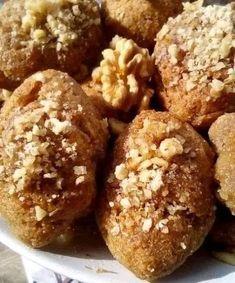 Μία συνταγή για μελομακάρονα που αξίζει να δοκιμάσεις Biscotti Cookies, Delicious Desserts, Food To Make, Muffin, Food And Drink, Chocolate, Baking, Breakfast, Cake