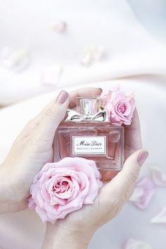 Rosamaria G Frangini | High Accessories | DesignAccessories | Miss Dior Absolutely Blooming Eau de Perfume