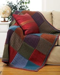 This Checkered Knit Blanket will look fantastic in your living room! Use this free knitting pattern from Bernat Yarns to create a quick and easy knit blanket. Crochet Afghans, Motifs Afghans, Knit Crochet, Free Crochet, Crochet Squares, Knitted Rug, Crochet Hair, Loom Knitting, Knitting Patterns Free