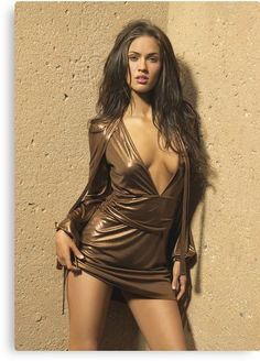Here we present the Megan Fox Hot Photoshoot and Megan Fox Photo Gallery. Megan Fox was born on May Megan Fox is an American actress and model. Megan Fox Sexy, Megan Fox Fotos, Megan Denise Fox, Hot Girls, Moda Kylie Jenner, Megan Fox Pictures, Funny Pictures, Sexy Women, Femmes Les Plus Sexy