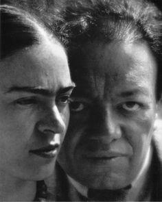 Martin Munkacsi: Frida Kahlo and Diego Rivera, 1933 | iconic artist | eyebrows | portrait | wonderful image | vintage black white photography | 1930's | love | husband and wife