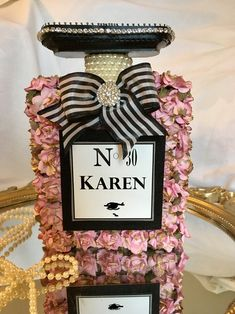 Chanel Birthday Party, Chanel Party, Paris Birthday, 60th Birthday, Birthday Parties, Birthday Gifts, Chanel Room, Chanel Decor, Parfum Chanel