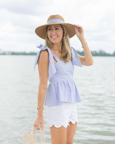 H&M blue bow top, seersucker hat, scallop white shorts Scalloped Shorts Outfit, White Shorts, Spring Summer Fashion, Spring Outfits, Short Outfits, Casual Outfits, Js Everyday Fashion, Bow Shirts, Professional Dresses