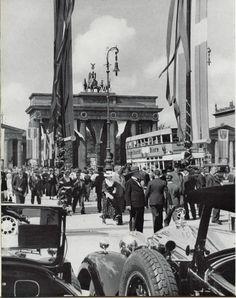 Brandenburger Tor 1936.