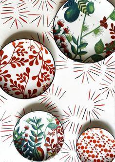 نقاشی های زیبا روی ظروف چینی را در ایده شات ببینید