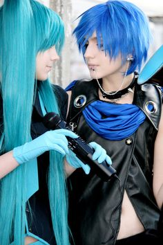 Vocaloid Miku and Kaito by HimeNami