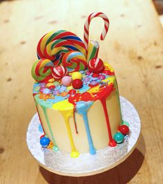 Rainbow candy pour birthday cake by Kasserina Cakes in West Sussex. Love the dr… - birthday Cake Ideen Candy Birthday Cakes, Colorful Birthday Cake, Candy Cakes, Birthday Cake Kids Boys, Lollipop Cake, Cupcake Cakes, Cupcakes, Drip Cakes, Bithday Cake
