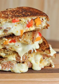 Try this Sausage and Pepper Chipotle Grilled Cheese on Martin's Potato Bread. Its got all the flavor of sausage and peppers packed into the cheesiest, meltiest grilled cheese ever! Sandwich Bar, Grilled Sandwich, Soup And Sandwich, Cuban Sandwich, Chicken Sandwich, Steak Sandwiches, Tacos, Tostadas, Sausage And Peppers