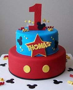 I really like the colors on this cake. Classic mickey colors are a bit boring
