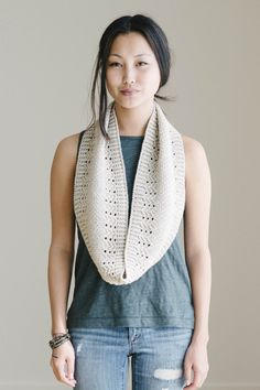hop la vie cowl by louise bélair / from crochet week 2016 / in quince & co. chickadee, color audouin